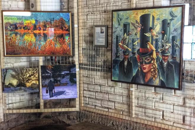 Nellie Vin Garage Gallery