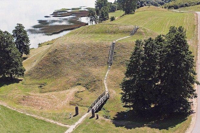 Prelomčiškės piliakalnis su gyvenviete