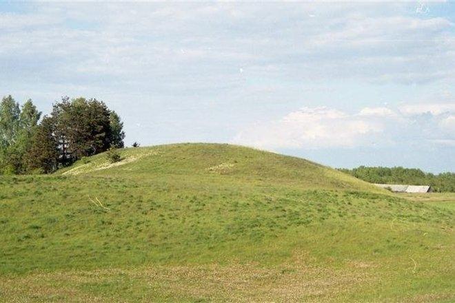Mikyčių piliakalnis